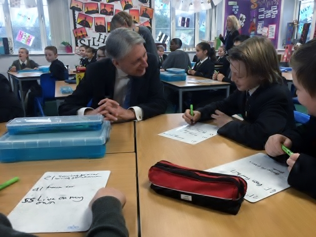 Chancellor helps young people in MyBnk's financial education lesson