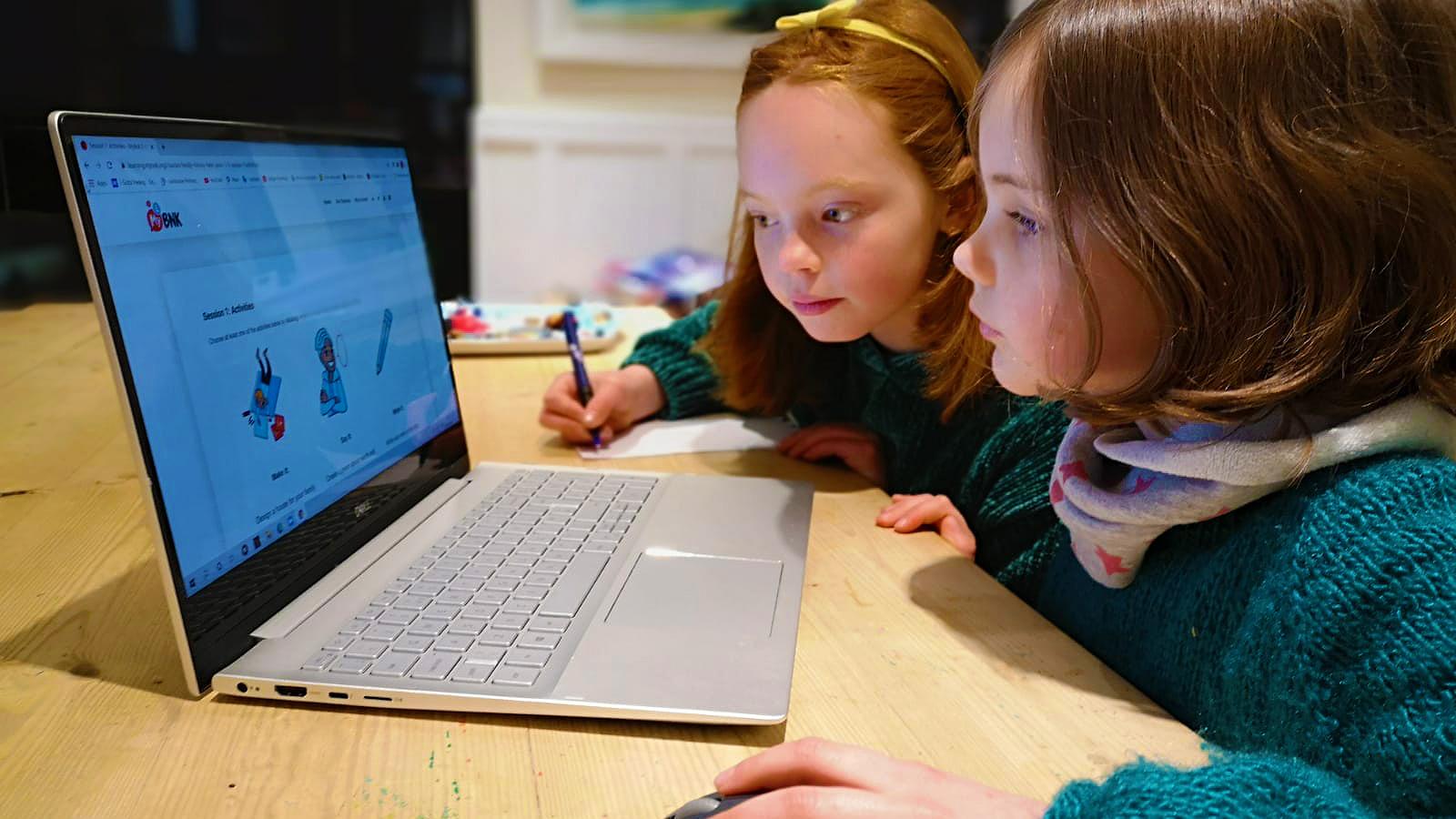 Helpingteachers adapt theircurriculum
